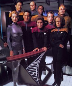 The crew of Voyager, putting Star Trek back where it belongs: exploring strange new worlds. Yussss! I miss this so much!