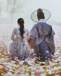 Kim Yoo-jung, Park Bo-gum : Moonlight Drawn By Clouds 2016 Park Bo Gum Wallpaper, Couple Wallpaper, Moonlight Drawn By Clouds Wallpaper, Love In The Moonlight Kdrama, Park Bo Gum Moonlight, Kim Yoo Jung Park Bo Gum, Kpop, The Flowers Of Evil, Taehyung