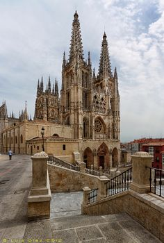 One of the most beautiful and spectacular cathedrals on the Camino de Santiago: Catedral de Burgos, Spain Cathedral Basilica, Cathedral Church, Spanish Architecture, Gothic Architecture, Places To Travel, Places To Visit, Old Churches, Spain And Portugal, Place Of Worship
