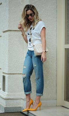 scarpin laranja + jeans destroyed