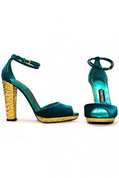 With these Tom Ford shoes. <---I've got to wear them without a guilty conscience, I got them 60% off. ^_^