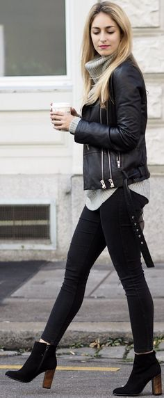 35 stunning chic winter outfits ideas to look casual latest winter fashion, leather pants, Fashion Blogger Style, Fashion Mode, Look Fashion, Winter Fashion, Fashion Trends, Fashion Ideas, Womens Fashion, Fashion Bloggers, Trendy Fashion