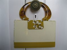The Help Book Purse....tons of cute book purses, perfect for any book lover!