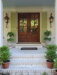 20 Beautiful Farmhouse Front Door Entrance Decor And Design Ideas - Fresh Home Ideas Double Front Doors, Wooden Front Doors, Front Door Entryway, Front Porch, Entrance Decor, Front Door Design, Front Entrances, Exterior Doors, Exterior Design