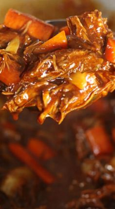 Thick and Beefy Danish Goulash is a hearty family favorite, full of tender beef chunks in rich, dark gravy. Cozy comfort food never tasted so divine! Slow Cooker Recipes, Crockpot Recipes, Cooking Recipes, Cooking Tips, Easy Recipes, Chicken Recipes, Danish Food, Braised Beef, Comfort Food