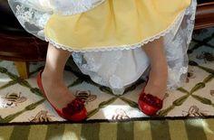 Yes... YELLOW!!! diy-dyed-petticoat