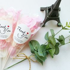 韓国ウェデングで流行中♡透明のフラワーコーンが可愛すぎ♡にて紹介している画像