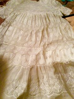 Lace Passion Lace Christening Gowns, Sewing Lace, Heirloom Sewing, Lace Ribbon, Cristiano, Little Girl Dresses, Vintage Lace, Baby Wearing, Well Dressed