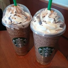 A curated list of 41 awesome speciality drinks from Starbucks secret menu and how to order them, from the Butterbeer Latte to the Fruity Pebbles Frappuccino. And how to order each and every one of them. Starbucks Secret Menu Items, Starbucks Menu, Starbucks Frappuccino, Starbucks Recipes, Starbucks Coffee, Coffee Recipes, Copo Starbucks, Bebidas Do Starbucks, Comida Disney World