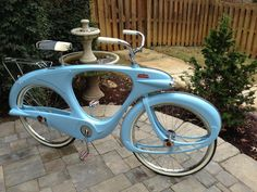 1960 Bowden Spacelander in blue - Dave& Vintage Bicycles ! Old Bicycle, Bicycle Pedals, Bicycle Art, Old Bikes, Bicycle Design, Vintage Cycles, Vintage Bikes, Tricycle, Velo Beach Cruiser