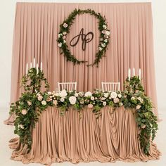 May 2019 - Ideas wedding decorations backdrop head tables Backdrop Decorations, Backdrops, Backdrop Ideas, Sweetheart Table Backdrop, Bride Groom Table, Grooms Table, Deco Buffet, Vintage Groom, Head Tables