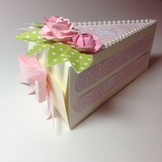 Stampin Up - cutie pie thinlits, pink roses Cake Slice Boxes, Paper Cake, Pretty Box, Pillow Box, Card Tutorials, Paper Goods, Stampin Up Cards, Cardmaking, Origami