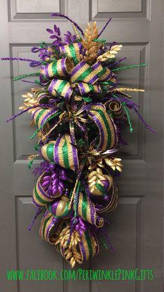 Mardi Gras Wreaths & Teardrops www.facebook.com/PeriwinklePinkGifts https://www.etsy.com/shop/PeriwinkleSilks