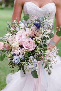 This wedding bouquet is beautiful
