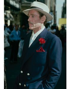 Peter O'Toole's Style On and Off the Big Screen Hollywood Life, Vintage Hollywood, Best Actor Oscar, My Favorite Year, Peter O'toole, Classic Movies, Fashion Photo, Movie Stars, Celebrity Style