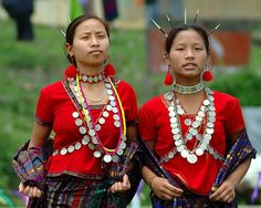 Tangsa Tribal Beauties: The Tangsa is a community of several tens of thousands living in Arunachal Pradesh and parts Assam. Many Tangsa tell of migrations from what is now Mongolia, through the South-West China Province of Yunan into Burma. Tangsa traditions suggest that they settled in the existing region from the beginning of 13th century. The term Tangsa is derived from 'Tang' (high land) and 'Sa' (son) and means 'people of the high land'.