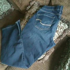 """☆SOLD☆SOLD☆☆Curvy Bootcut NWOT Jeans (Long) Some Stretch to these curvy Bootcut jeans that have never been worn. I have two pairs of these on LONG length. These are NWOTs. I bought then and never wore. Ordered from catalog. 32 1/2""""-33"""" inseam Levi's Pants Boot Cut & Flare"""