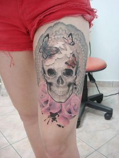 skull tattoo by Cassio Magne. getting closer to finding that perfect thigh piece i want.