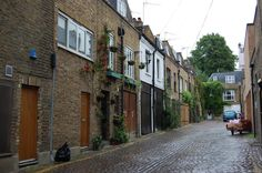 mews - London, near Portobello Market