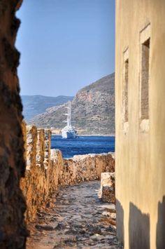 GREECE CHANNEL | dinfo.gr - Οι 16 πιο γοητευτικές μεσαιωνικές πόλεις της Ευρώπης
