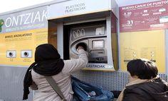 «Redimir» no es lo mismo que «canjear». http://www.fundeu.es/recomendacion/redimir-canjear-cambiar/ Foto: ©Archivo Efe/Jesús Diges