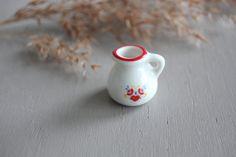 Miniature pot carafe Reutter Germany vintage porcelaine rouge fleuri maison accessoires poupée decor intérieur cadeau fournitures ornements