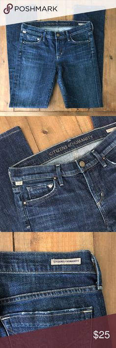 """Citizens of Humanity Jeans - sz 27 Citizens of Humanity straight leg jeans. Style name is Ava, awesome color of blue and make your butt look great! Inseam- 30.5"""" // total length- 39""""  // Waist when laid flat- 14.5"""" // size 27 Citizens Of Humanity Jeans Straight Leg"""