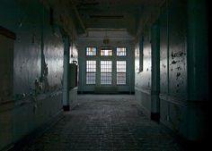 Windows - Gravesend Asylum © opacity.us
