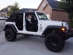 jeep wrangler off road with the stormtrooper my jeep aka stormtrooper pinterest jeep. Black Bedroom Furniture Sets. Home Design Ideas