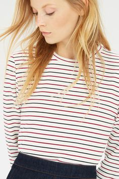 This relaxed top is constructed from a soft jersey with stretch and features 3/4 length sleeves and an all over stripe design. Length of top, from shoulder seam to hem, 66cm approx. Height of model shown: 5ft 10 inches/178cm. Model wears: UK size 10.