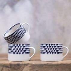 This beautiful mug is moulded from smooth earthenware and each deep blue drop is hand painted in Vietnam using age old traditions. They feel lovely and comforting in your hand. Perfect for a warming cup of tea, coffee or hot chocolate.