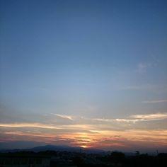 沈みかけ やっと涼しくなった(;; #空 #夕空 #夕焼け #夕陽 #夕日 #太陽 #夏 #雲 #sky #skyline #sunset #sun #evening #daily #today #japan #landscape #sunnyday #summer #instagram #instagramjapan #instalike #instagood #instaoftheday #photooftheday #picoftheday