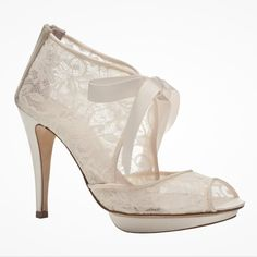 Chantilly lace bridal shoe boots by Harriet Wilde libertyinlove.com