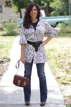 Elegant blues tunic and jeans, leather satchel Love Clothing, American Made, My Style, Style Blog, Elegant, How To Make, Leather Satchel, Outfits, Clothes