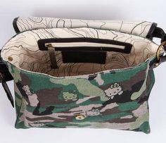 Hello Kitty Messenger Bag: Army