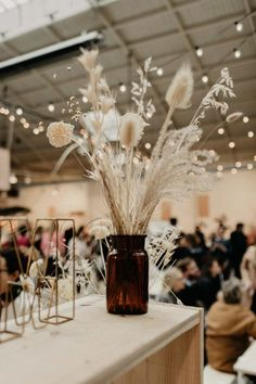 Where to buy dried flowers the new decorating trend that is rising Grass Centerpiece, Floral Centerpieces, Dried Flower Arrangements, Dried Flowers, Floral Wedding, Wedding Flowers, Wedding Bouquet, Flower Decorations, Wedding Decorations