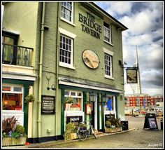 The Bridge Tavern In the Old Harbour: Portsmouth, Hampshire