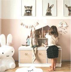 tips to set up a small nursery Good Night Dear, Small Nurseries, Baby Girl Nursery Themes, Walk In Closet, Box, Living Room, Storage, Pixie, Furniture