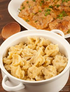 Hungarian Noodle Dumplings (Nokedli): Hungarian-style noodle dumplings (nokedli) are very similar to German spaetzle. They make a delicious side for a variety of main dishes, the most popular being Chicken Paprikas. Pasta Dishes, Food Dishes, Main Dishes, Side Dishes, Croatian Recipes, Hungarian Recipes, German Recipes, Austrian Recipes, Austrian Food