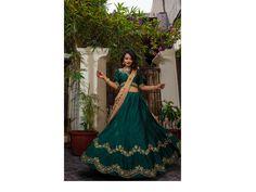 10 Sophisticated Tonal Shaded Mehendi Outfits For The Minimal Bride! Mehendi Outfits, Indian Bride And Groom, Lehenga, Indian Fashion, Minimalism, Brides, Sari, Culture, Jewellery