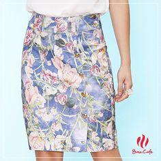 Mais uma de nossas saias da Coleção Al Mare Primavera Verão 2015/16, muito delicada essa azul com floral!