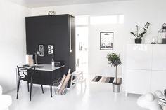 KOTONA JA KAUKOMAILLA Scadinavian interior / Kartell Masters / Aarnio Pony / Living room / Office / Työhuone / Olohuone