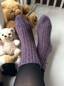 One Color, Colour, Knitting Socks, Leg Warmers, Fingerless Gloves, Knit Crochet, Slippers, Crafts, Knits
