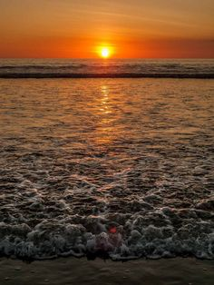 Gorgeous orange sunset in paradise Uvita, Costa Rica. Maputo, Orange Aesthetic, Costa Rica Travel, Ocean Themes, Beautiful World, Places To See, Traveling By Yourself, Travel Tips, Nature Photography