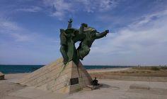 Памятник морякам-десантникам возле Евпатории. 3 августа 2014 г.