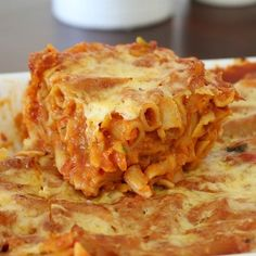 Our Thermomix Hidden Vegetable Pasta Bake is quick, easy and gets the tick of approval from the whole family! An easy weeknight dinner! Baked Pasta Recipes, Veggie Recipes, Vegetarian Recipes, Cooking Recipes, Vegetarian Dinners, Healthy Meals, Dinner Recipes, Hidden Vegetables, Baked Vegetables