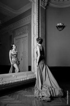 Sooooo I just need a large ballroom, a giant mirror, and a beautiful model...