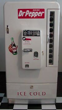 Vintage Dr Pepper machine - I always liked seeing them next to the red Coke machines!