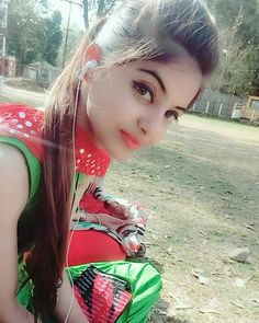 Look Your Absolute Best With These Beauty Tips Beautiful Girl In India, Beautiful Girl Photo, Beautiful Indian Actress, Simply Beautiful, Stylish Girls Photos, Stylish Girl Pic, Cute Girl Photo, Beautiful Girl Image, Beautiful Pictures