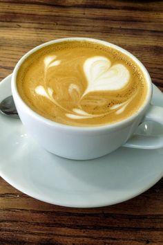 Coffee Latte, Espresso Coffee, Best Coffee, Italian Espresso, Coffee Blog, Following A Recipe, Best Espresso Machine, Coffee Varieties, Popular Drinks
